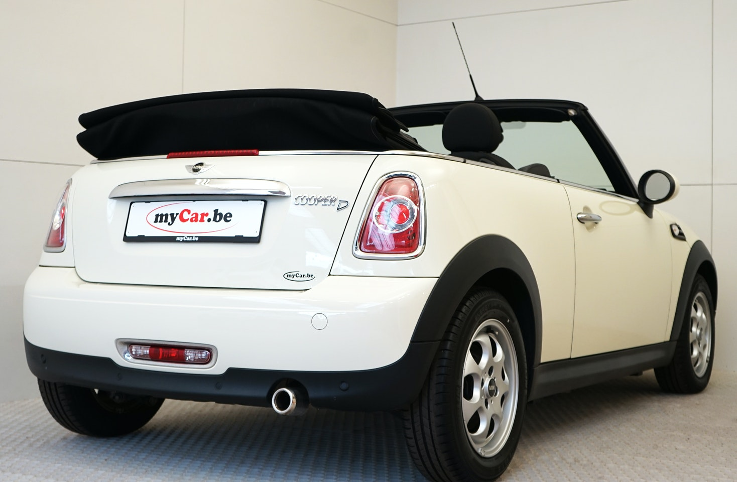 Mini Cooper Cabriolet Mycarbe Is The Specialist In Almost New
