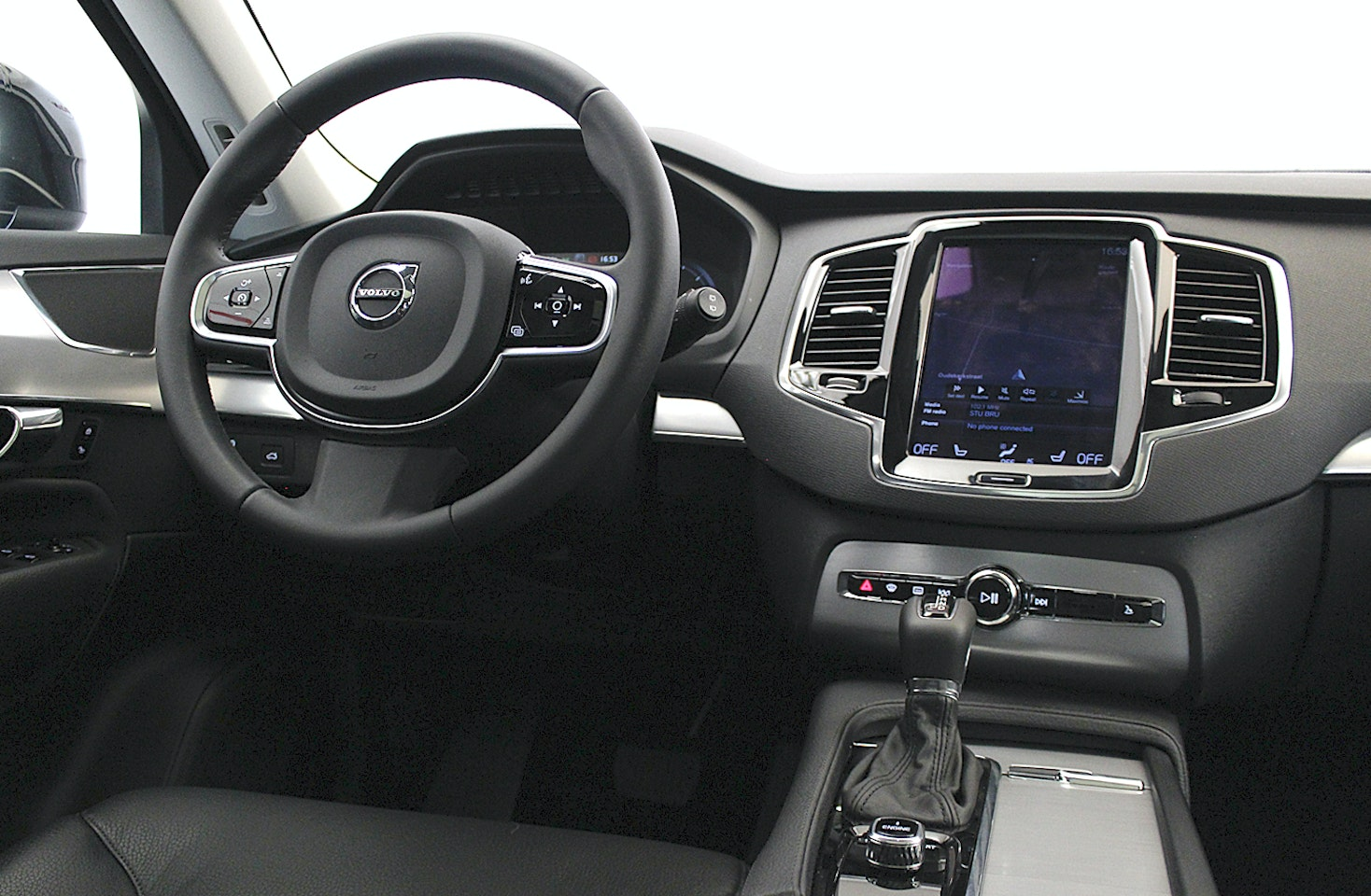 volvo xc90 momentum geartronic le. Black Bedroom Furniture Sets. Home Design Ideas